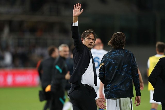 HLV Simone Inzaghi tự tin bảo vệ chức vô địch Serie A.