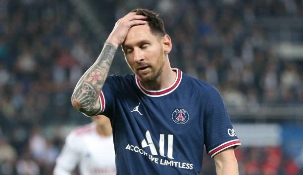 Messi dính chấn thương và chưa chắc thời gian có thể tiếp tục thi đấu.