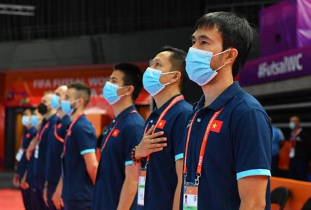 HLV Phạm Minh Giang dương tính với SARS-CoV-2 ngay trước thềm trận đấu với Nga.