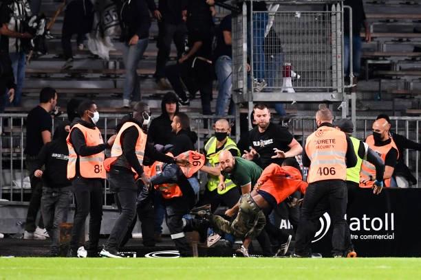Khán giả giải Ligue 1 lần thứ 3 gây hỗn loạn từ khi Messi đến thi đấu - Ảnh 11