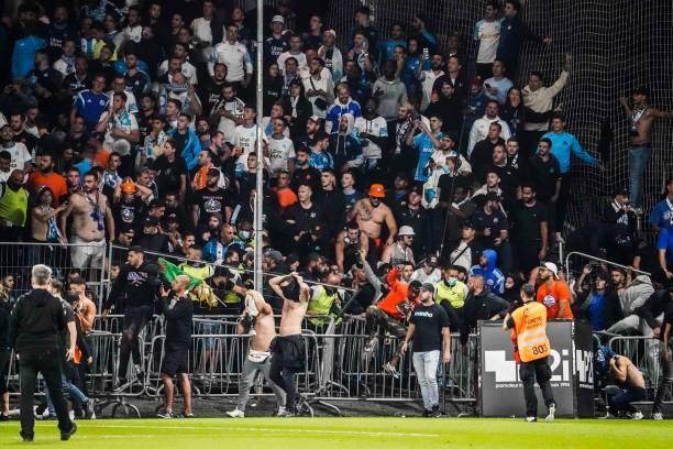 Khán giả giải Ligue 1 lần thứ 3 gây hỗn loạn từ khi Messi đến thi đấu - Ảnh 3