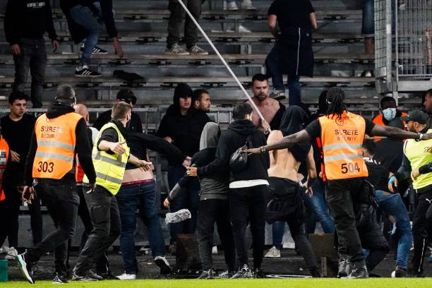 Khán giả giải Ligue 1 lần thứ 3 gây hỗn loạn từ khi Messi đến thi đấu - Ảnh 8