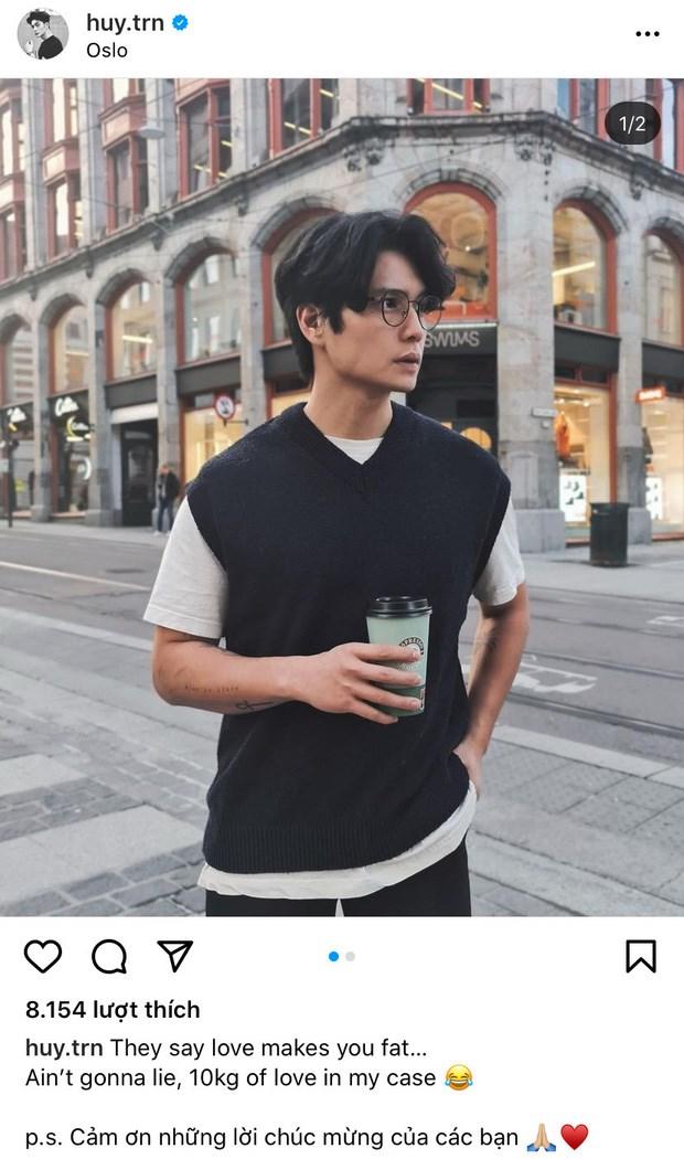 Huy Trần cũng đăng tải ảnh cùng địa điểm và dòng caption tương tự.