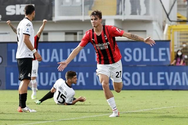 Daniel Maldini bùng nổ cảm xúc khi ghi bằn thắng đầu tiên cho CLB.