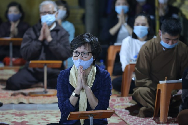 Các Phật tử tham dự buổi lễ.