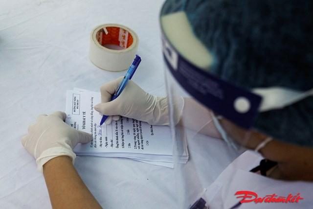 Trước đó, VNVC cũng đã tổ chứccác buổi tập huấn thực hành tiêm chủng cho bác sĩ, nhân viên y tế trên toàn hệ thống và diễn tậpvận chuyển vaccine Covid-19.