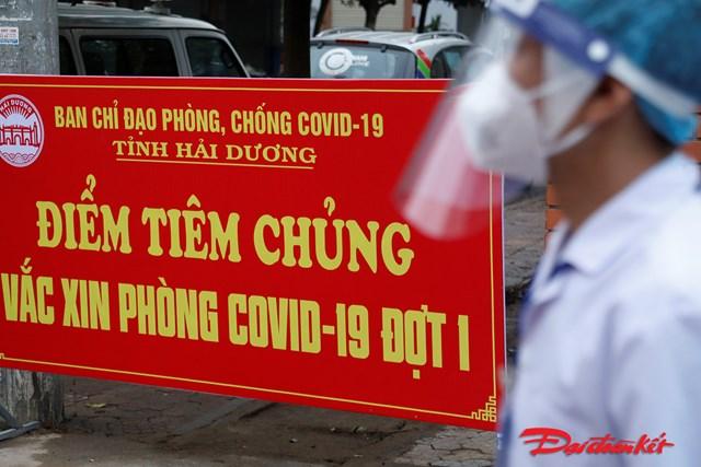 Trong sáng nay tại Sở y tế tỉnh Hải Dương có 50 người được tiêm phòng dịch Covid-19.