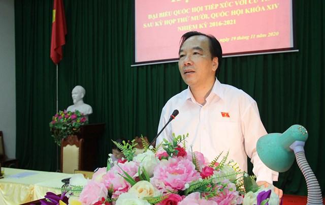 Phó Chủ tịch Ngô Sách Thực phát biểu tại buổi tiếp xúc cử tri