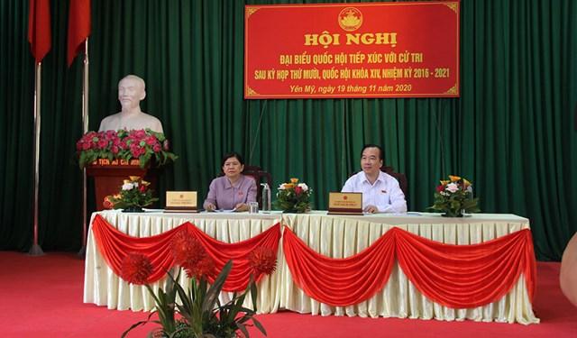 Đoàn đại biểu Quốc hội tỉnh Bắc Giang tiếp xúc cử tri các xã: Hương Lạc, Yên Mỹ và thị trấn Vôi.