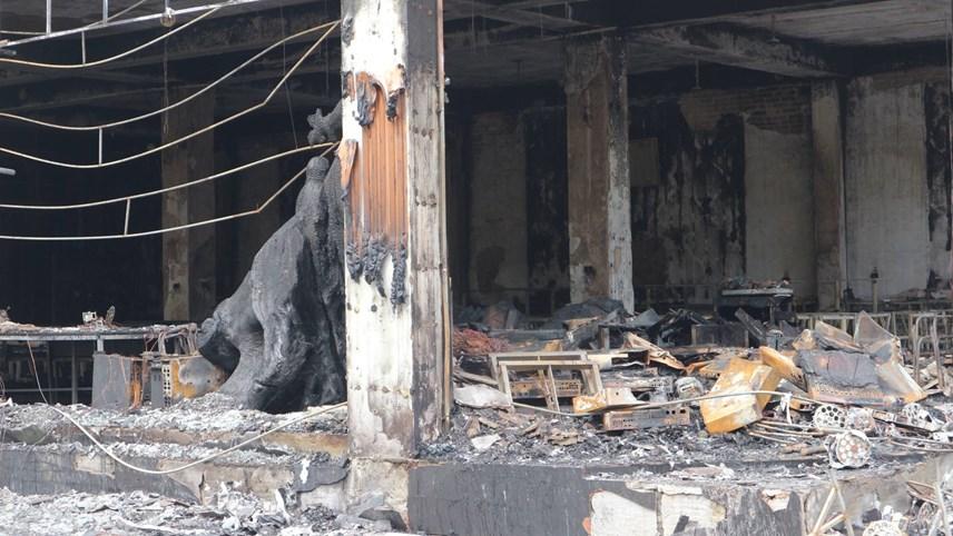 Vụ cháy đã biến nhiều vật dụng thành tro.