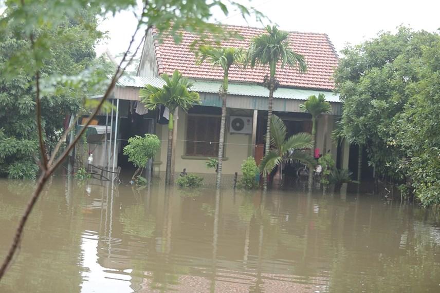 Nghệ An hiện còn có gần 1,5 ngàn hộ dân bị cô lập.