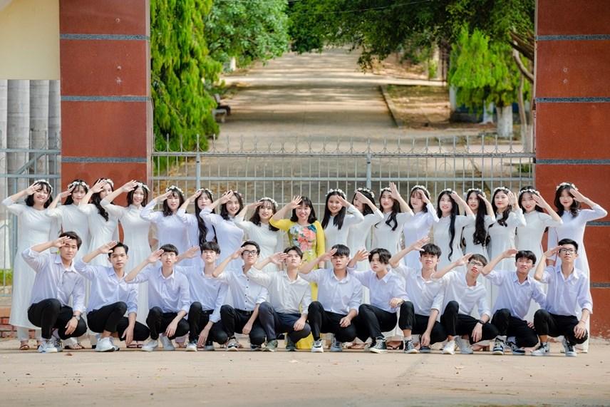 Lớp của em Lê Hoàng Mai