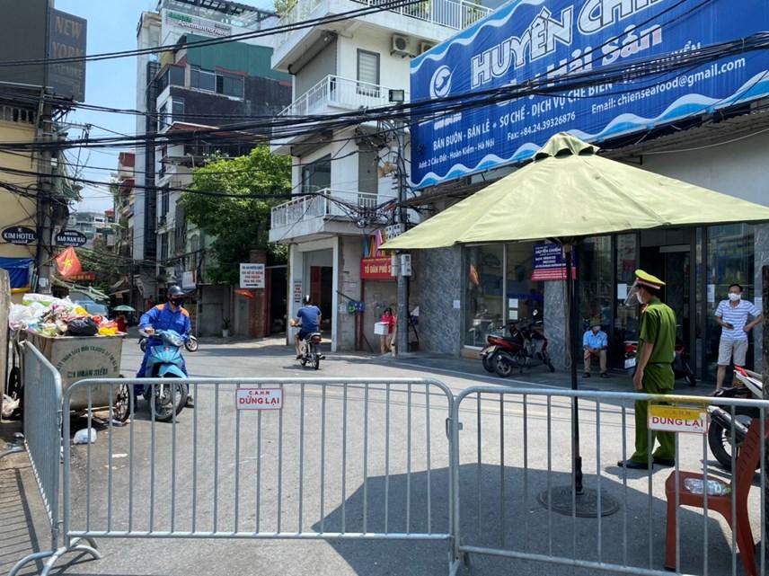 Cận cảnh vùng cách ly y tế phường Chương Dương, quận Hoàn Kiếm, Hà Nội - Ảnh 3