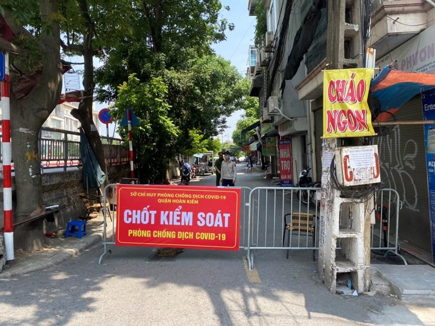 Cận cảnh vùng cách ly y tế phường Chương Dương, quận Hoàn Kiếm, Hà Nội - Ảnh 1