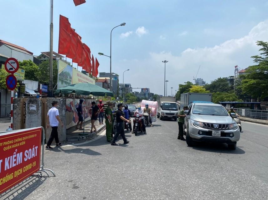 Cận cảnh vùng cách ly y tế phường Chương Dương, quận Hoàn Kiếm, Hà Nội - Ảnh 4