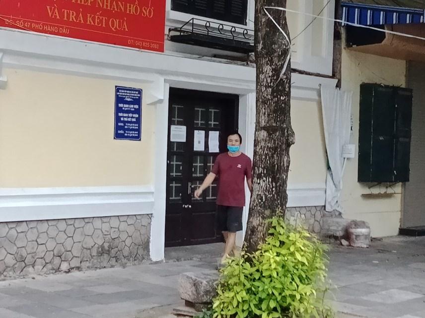 Người dân Hà Nội vẫn chủ quan trong phòng, chống dịch - Ảnh 2