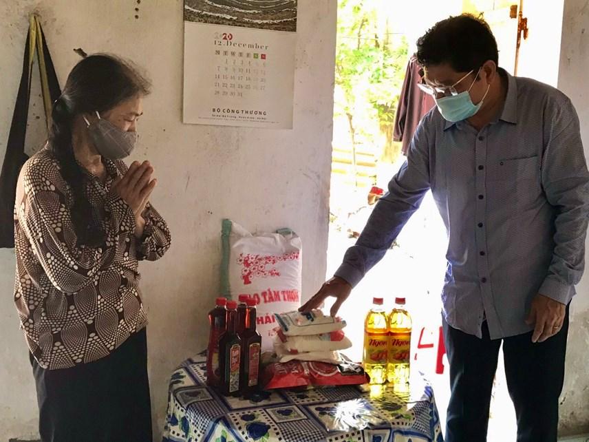 Hà Nội: Hỗ trợ khẩn cấp 100% hộ nghèo ảnh hưởng bởi Covid-19 - Ảnh 4