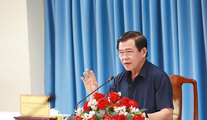 Bí thư tỉnh ủy Đồng Nai Nguyễn Hồng Lĩnh chỉ đạo tại cuộc họp sáng 17/9.