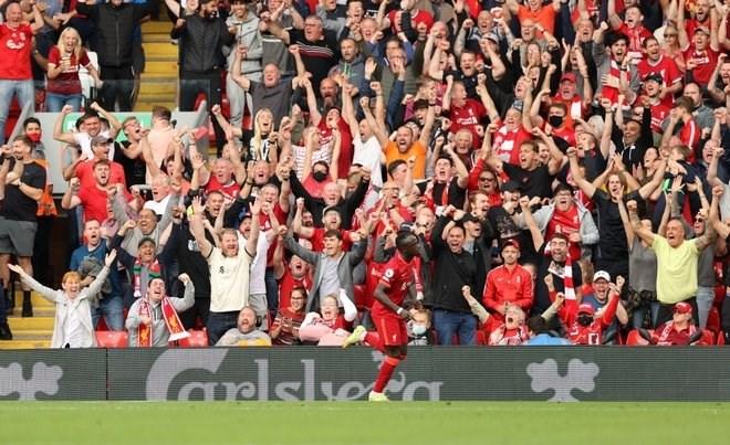 Liverpool tạm chiếm ngôi đầu bảng.