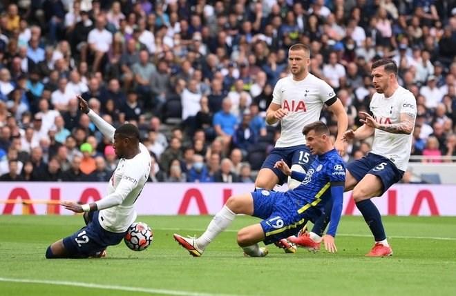 Chelsea vượt trội Tottenham về thế trận.