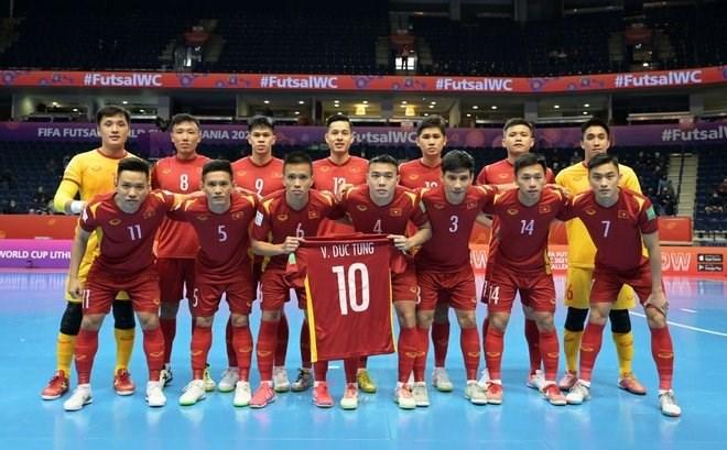 Tuyển futsal Việt Nam rời giải trong tư thế ngẩng cao đầu.